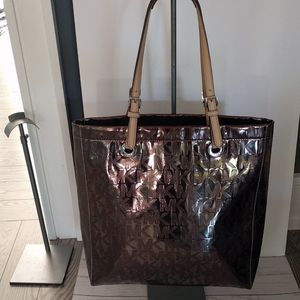 🌸👠🌺 BlackLarge tote by Michael Kors 🌸🌺🍀